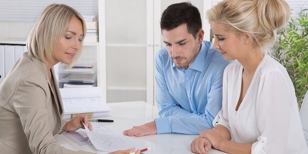 Couple getting debt management plan advice