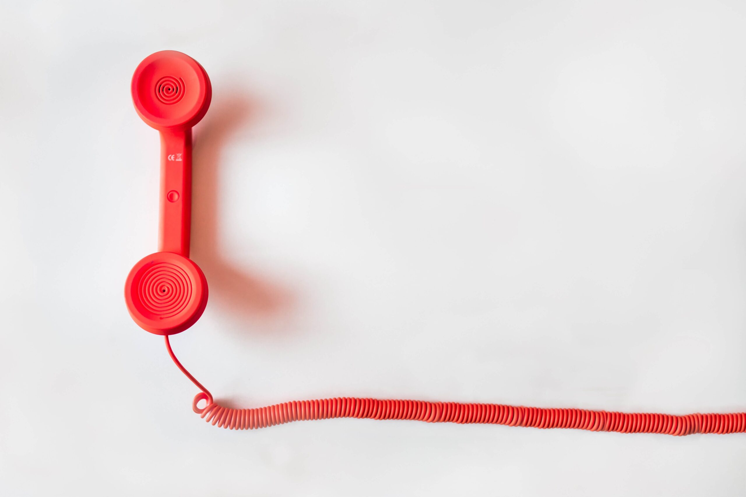 Telephone-receiver-on-call